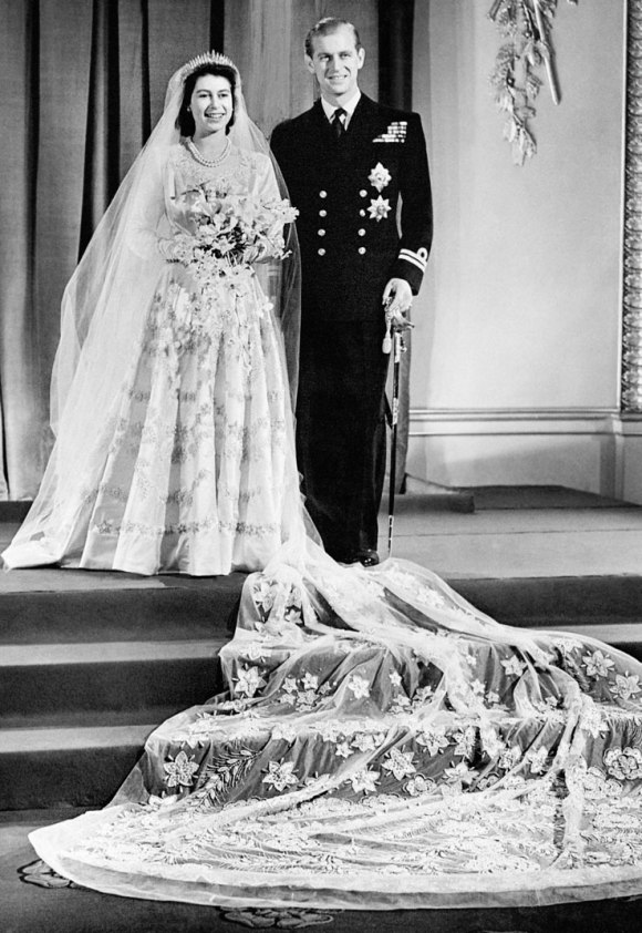 princess-elizabeth-philip-mountbatten-royal-wedding-738b-122110