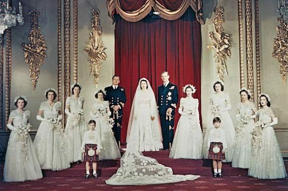 queen-elizabeth-royal-wedding-portrait-1947-590bes120210