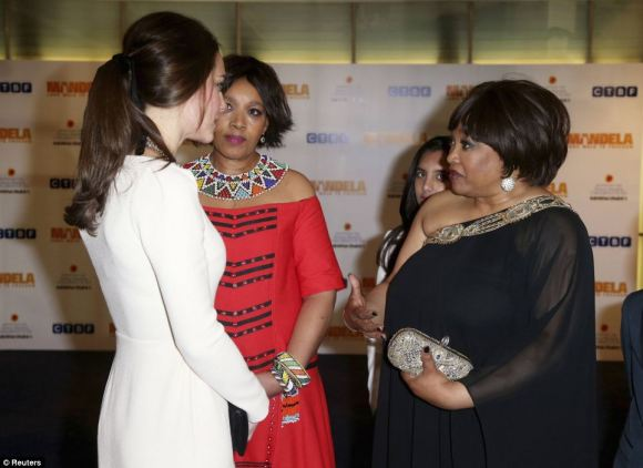 The Duchess meets with Mandela's daughters, Zindzi (right)